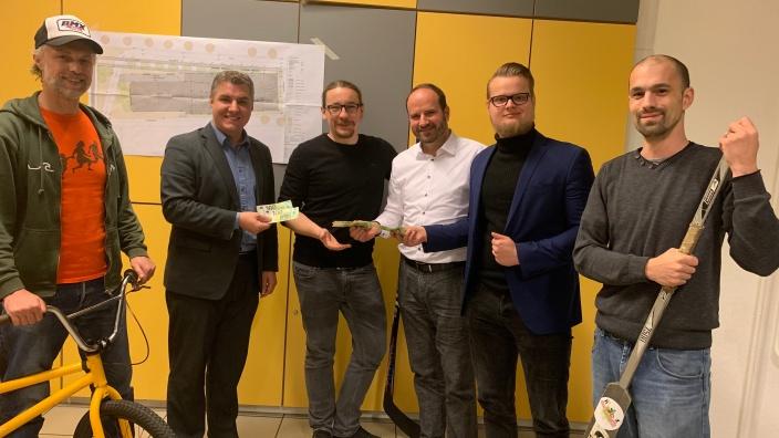 CDU Wermelskirchen und Junge Union übergaben Spende für Jugendfreizeitpark